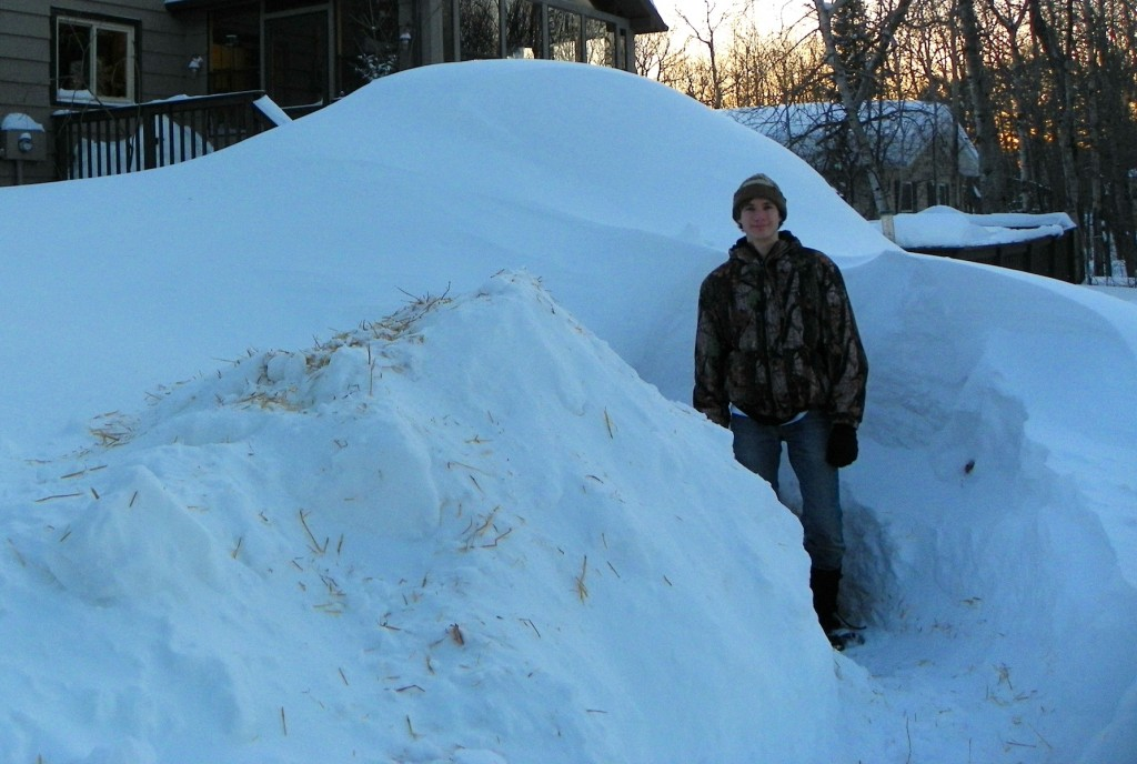The big drift behind me is my quinzhee!